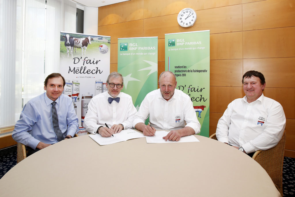 The Bank signed an official agreement renewing its partnership with Fairkoperativ. The cooperative was represented by its chairman Fredy de Martines and vice-chairman Guy Didderich, while the Bank's representatives were Thierry Schuman, member of the Management Board, and Roby Thill, Head of Retail Banking.
