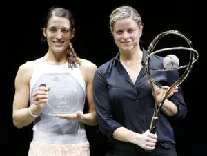 Andrea Petkovic, who won 2015 edition of the BNP Paribas Fortis Diamond Games, and tournament director Kim Clijsters, holding the prestigious gold and diamond racket. Carla Suarrez Navarro had to forfeit the final due to an injury.